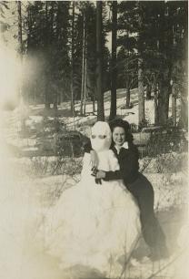 8-Loretta Gustafson's Life in Photos 001