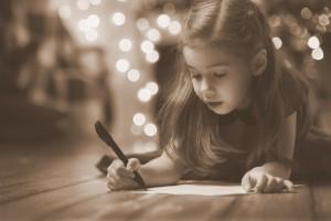 1-0cd2f9586f7fa2e7a211818e15e00f7bbe292366_little-girl-writing-letter-to-santa