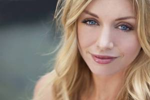 portrait-of-beautiful-woman-with-blonde-hair-and-blue-eyes